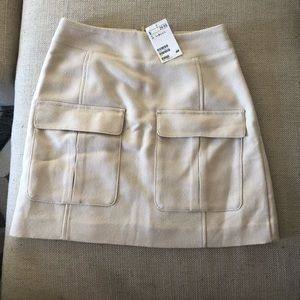 Cute skirt with front pockets